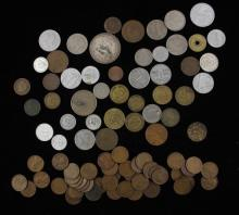 MIXED LOT INCLUDING INDIAN HEAD AND LINCOLN CENTS AND FOREIGN COINS