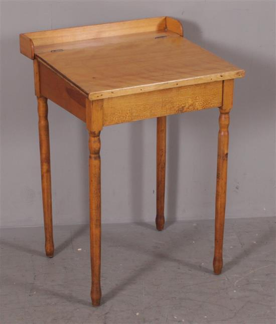SMALL LIFT TOP DESK ON LEGS, 21
