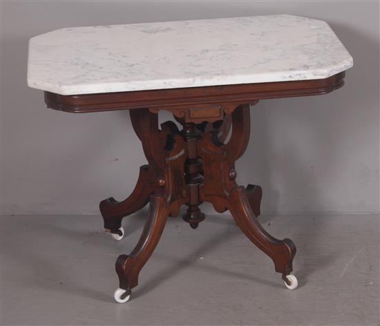 WALNUT EASTLAKE VICTORIAN PARLOR TABLE WITH WHITE MARBLE TOP, 23