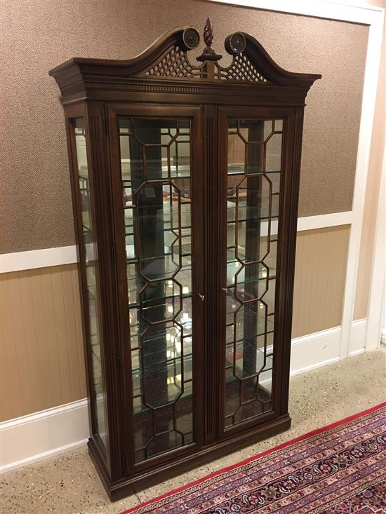CUSTOM MAHOGANY TWO-DOOR LIGHTED CHINA CABINET WITH GLASS SHELVES AND BROKEN ARCH TOP, 45