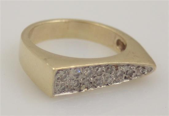 STAMPED 14K YELLOW GOLD BAR STYLE FASHION RING WITH 13 ROUND BRILLIANT DIAMONDS, .35 CT TW, SIZE 6 1/2, REPLACEMENT VALUE $2,200.00