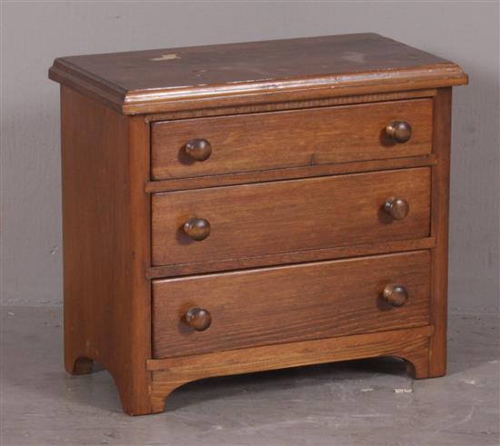 MINIATURE 3-DRAWER CHEST, 12.5