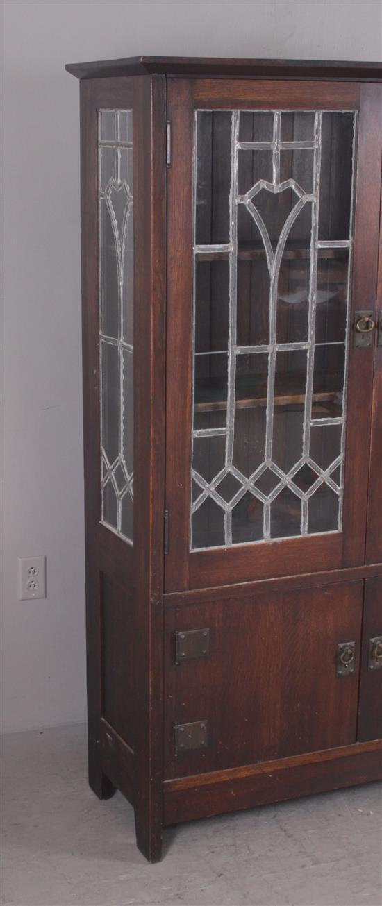 oak arts and crafts china cabinet with original hardware and. Black Bedroom Furniture Sets. Home Design Ideas