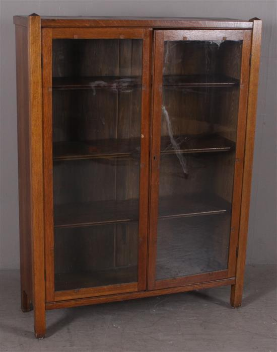 OAK ARTS AND CRAFTS STYLE BOOKCASE WITH 3 ADJUSTABLE SHELVES, 41.5