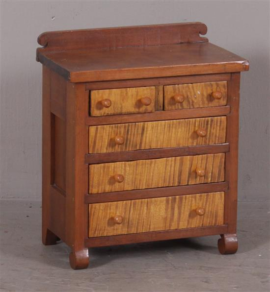 CHERRY AND CURLY MAPLE MINIATURE 5-DRAWER CHEST WITH BACKSPLASH, 9.5