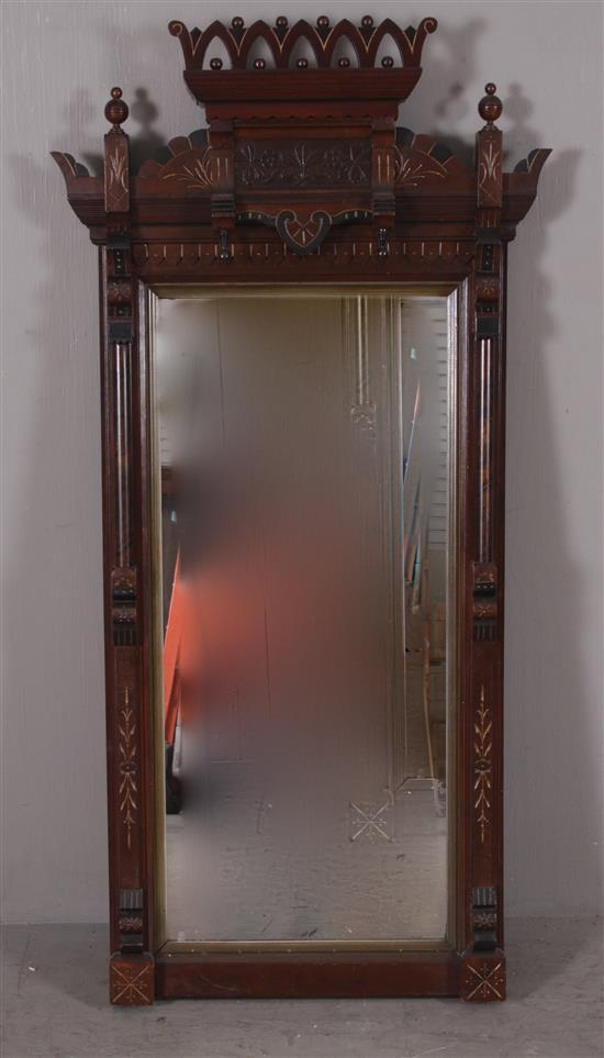 VICTORIAN MIRROR WITH CARVED CREST AND FULL PILASTERS, 29