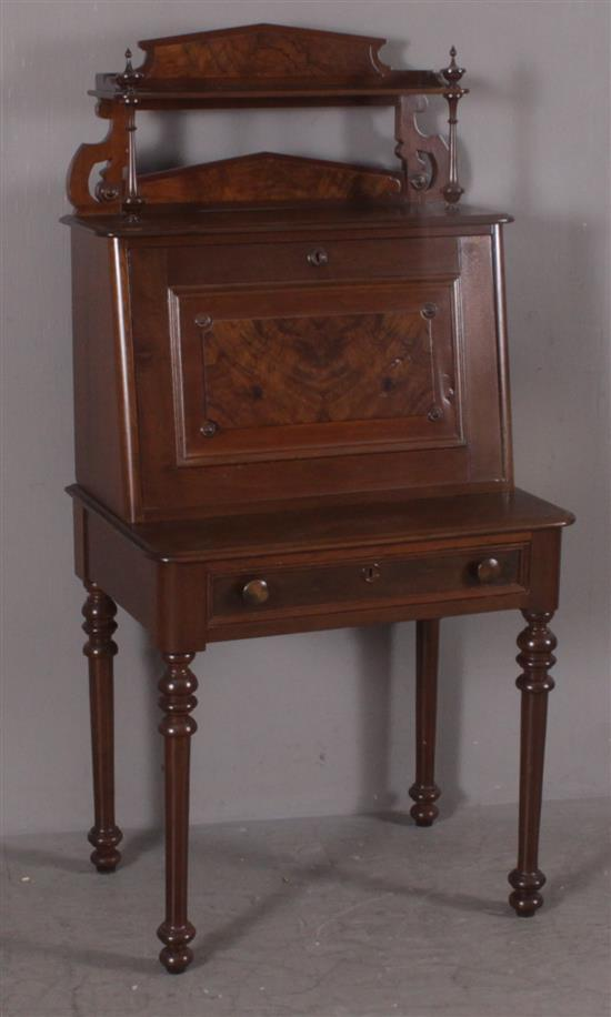 T.G. SELLEW (FULTON STREET, NY) MAHOGANY ONE-DRAWER DROP FRONT DESK, 29.5