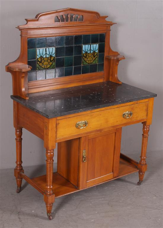 ENGLISH VICTORIAN MAHOGANY WASHSTAND WITH TILE BACK AND BLACK MARBLE TOP, 39
