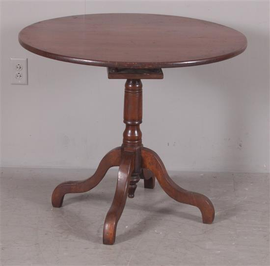 LATE 19TH CENTURY PINE TILT TOP TEA TABLE, 34