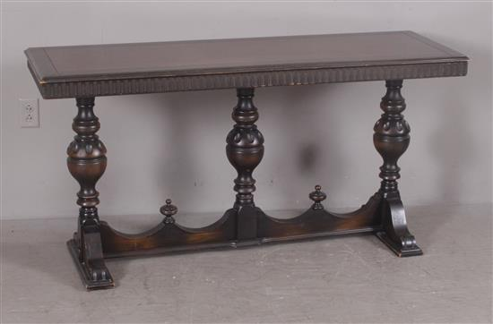 1920s MAHOGANY TRIPLE PEDESTAL SOFA TABLE, 20