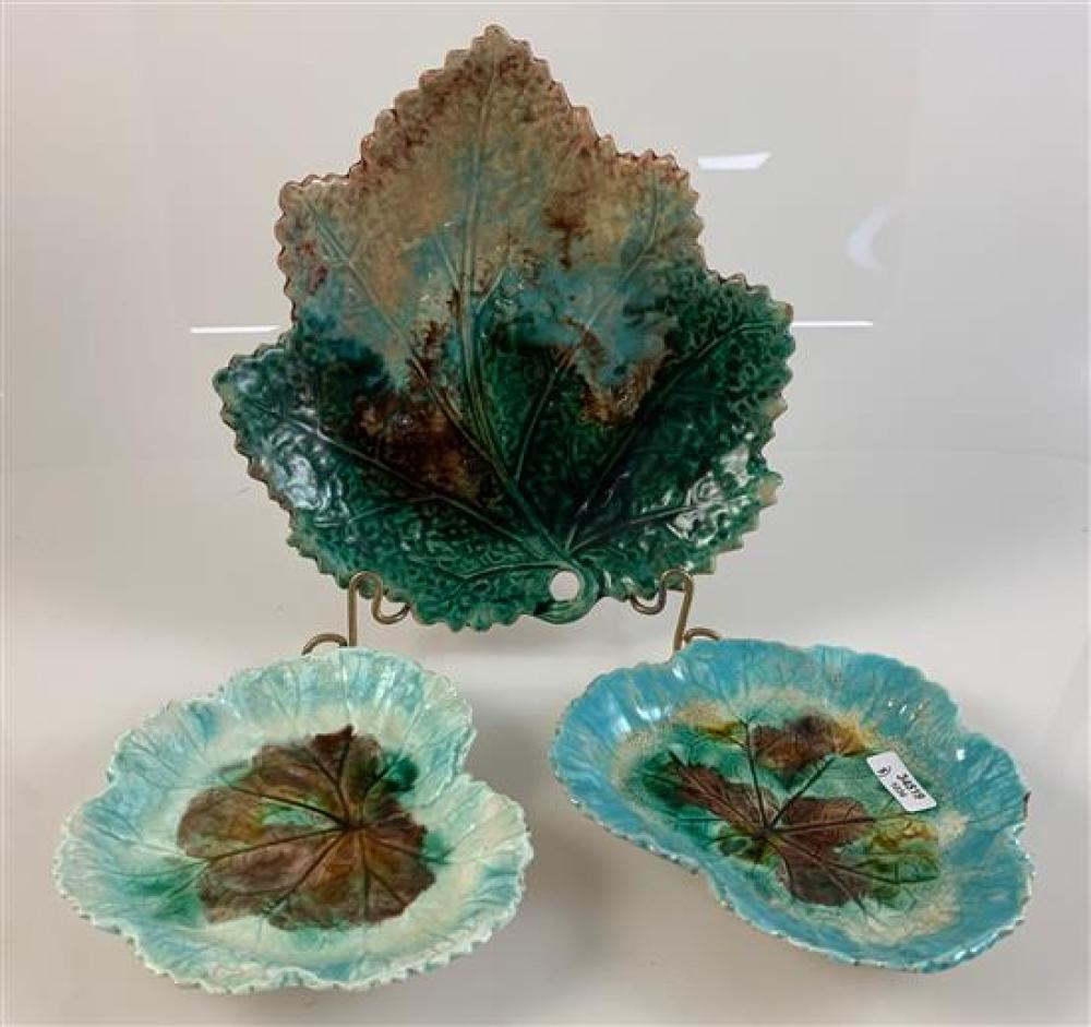"""3 MAJOLICA LEAF PLATES - 2 (5¼"""") IN DARK AND LIGHT TURQUOISE, 7½"""" IN GREEN, BLUE, BROWN"""