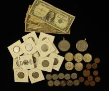 MIXED LOT INCLUDING 2 SERIES 1928 TWO DOLLAR RED SEAL NOTES, 1 ONE DOLLAR SILVER CERTIFICATE, (5) 40% KENNEDY HALF DOLLARS, 2 EISENH...