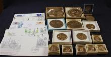 15 VARIOUS SIZE COMMEMORATIVE MEDALLIONS AND FIRST DAY COVERS