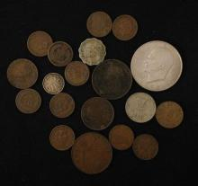 MIXED LOT INCLUDING EISENHOWER DOLLAR, INDIAN HEAD CENTS, AND FOREIGN COINS