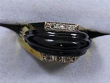 14K YELLOW GOLD ONYX FASHION RING WITH DIAMOND ACCENTS, SIZE 7 1/2 ~ 8.7 GRAMS TOTAL