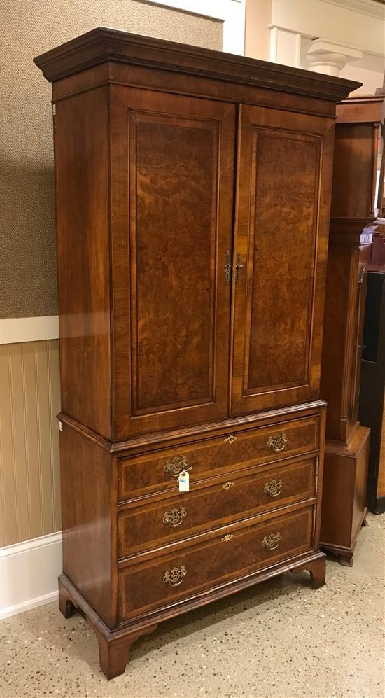 LATE 19TH CENTURY ENGLISH MAHOGANY CABINET ON CHEST, 39.5