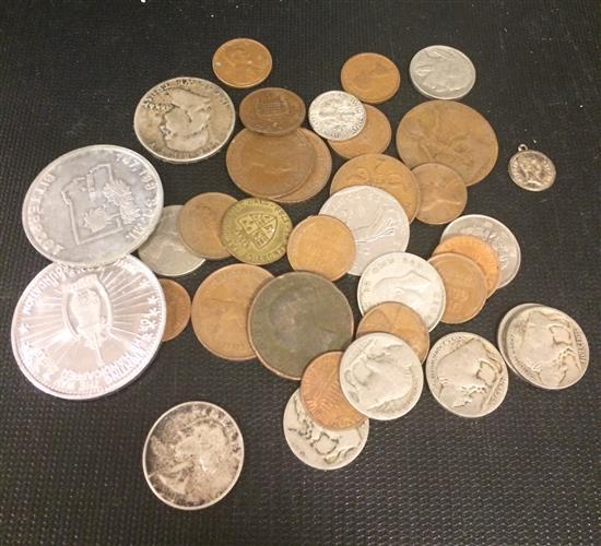 MIXED LOT INCLUDING 1954D FRANKLIN HALF DOLLAR, BUFFALO NICKELS, AND FOREIGN COINS