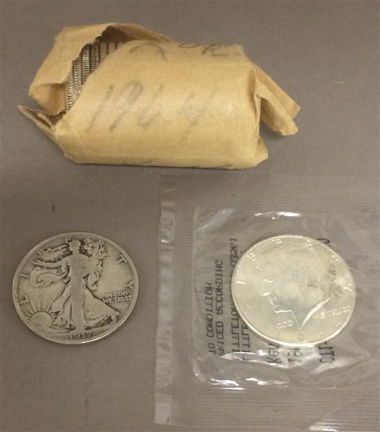 †MIXED LOT INCLUDING 1917 WALKING LIBERTY HALF DOLLAR AND 1 ROLL PLUS 1 LOOSE 1964 KENNEDY HALF DOLLARS *tax exempt*