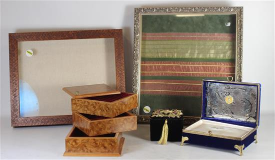 FOUR JEWELRY BOXES INCLUDING: LARGE WITH CLEAR GLASS TOP, ROTATING WOOD GRAIN CUBE, AND FOOTED BLUE VELVET