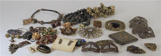BOX LOT JEWELRY AND ACCESSORIES INCLUDING: 2.625