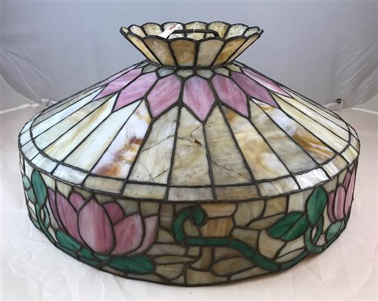 EARLY 20TH CENTURY SLAG GLASS SHADE WITH WATER LILY MOTIF, 24