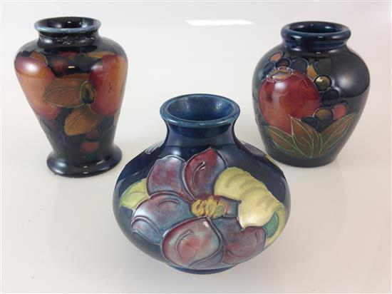 3 MOORCROFT MINIATURE IMPRESSED VASES ON BLUE - 3