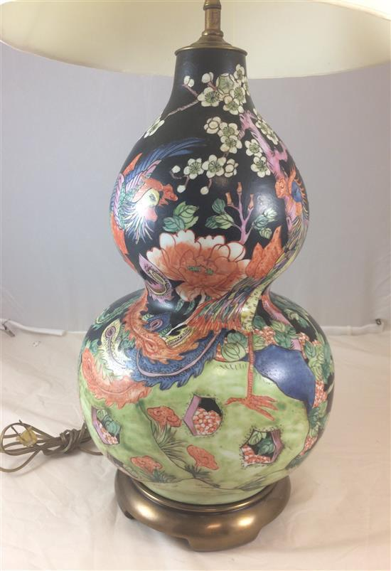 GOURD SHAPED ASIAN DECOR TABLE LAMP ON BRASS BASE, 36