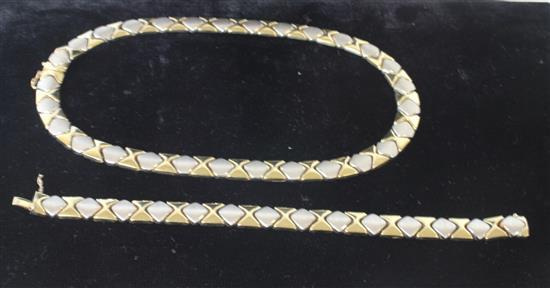 MARKED 14KT GOLD MATCHED DUAL TONE NECKLACE AND BRACELET WITH GEOMETRIC BOWTIE PATTERN AND BOX CLASPS. NECKLACE MEASURES APPROXIMATE...