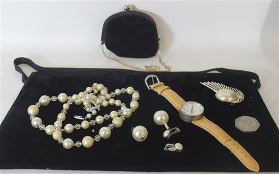 BOX LOT ACCESSORIES INCLUDING: