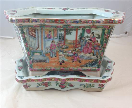 CHINESE PORCELAIN JARDINIERE WITH UNDERPLATE, 10