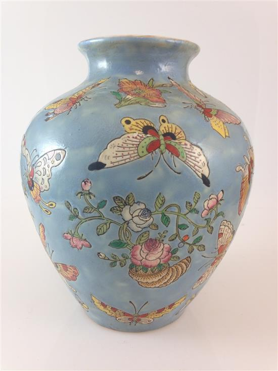 CHINESE PORCELAIN GINGER JAR WITH BUTTERFLY MOTIF, NO LID, 8.5