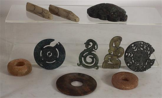 TEN CARVED STONE ORIENTAL PIECES INCLUDING: TWO ANIMALS, A GREEN TONE DRAGON, A 3