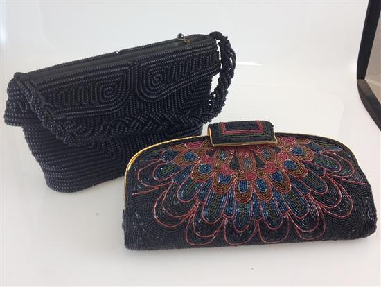 2 VINTAGE BEADED EVENING PURSES INCLUDING BLACK BEADS WITH HANDLE, 6