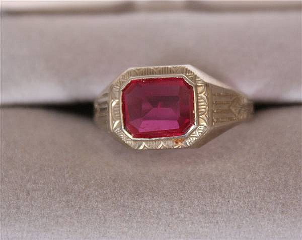 14 K WHITE GOLD MEN'S SYNTHETIC RUBY RING