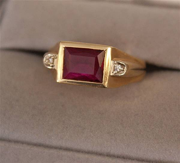 14 K YELLOW GOLD MEN'S SYNTHETIC RUBY RING WITH DIAMOND ACCENTS