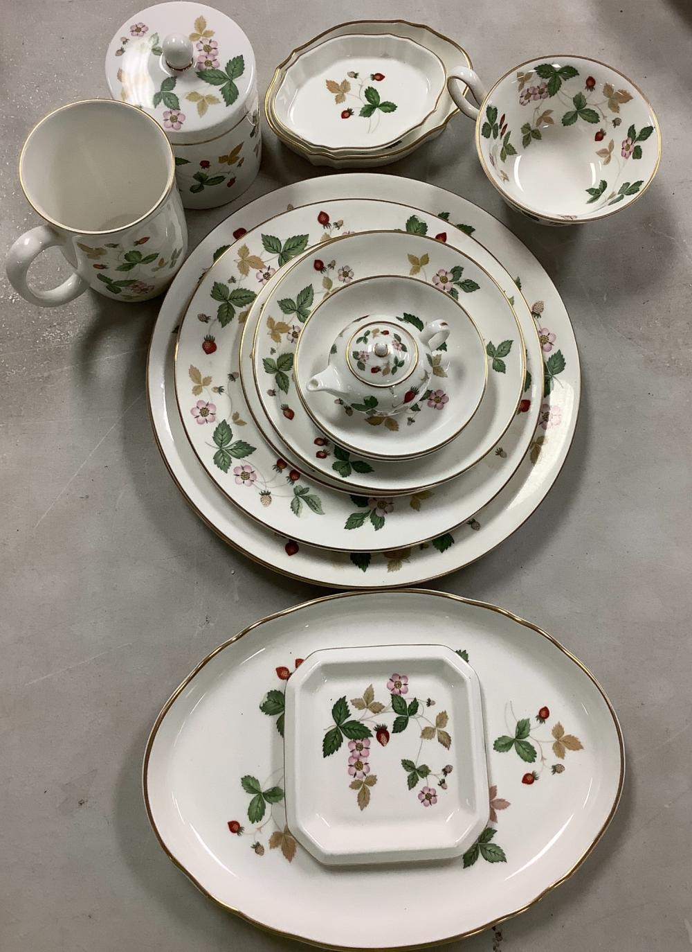 15 Pieces of Wedgewood china.