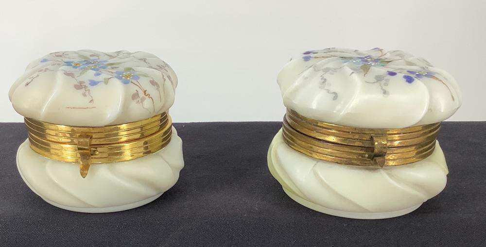"""2 Wavecrest Lidded Round swirl box's ,(1) 3.5 """"x 2.5"""" and other 4""""."""