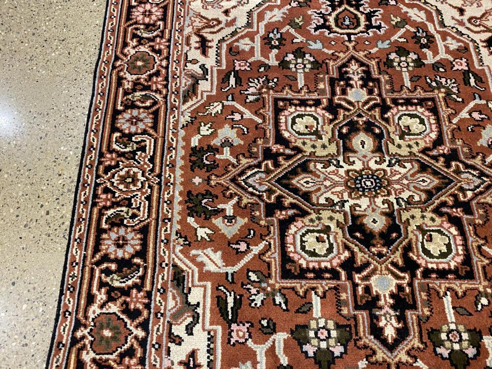 Oriental rug, Heriz Serapi, 6' x 9'