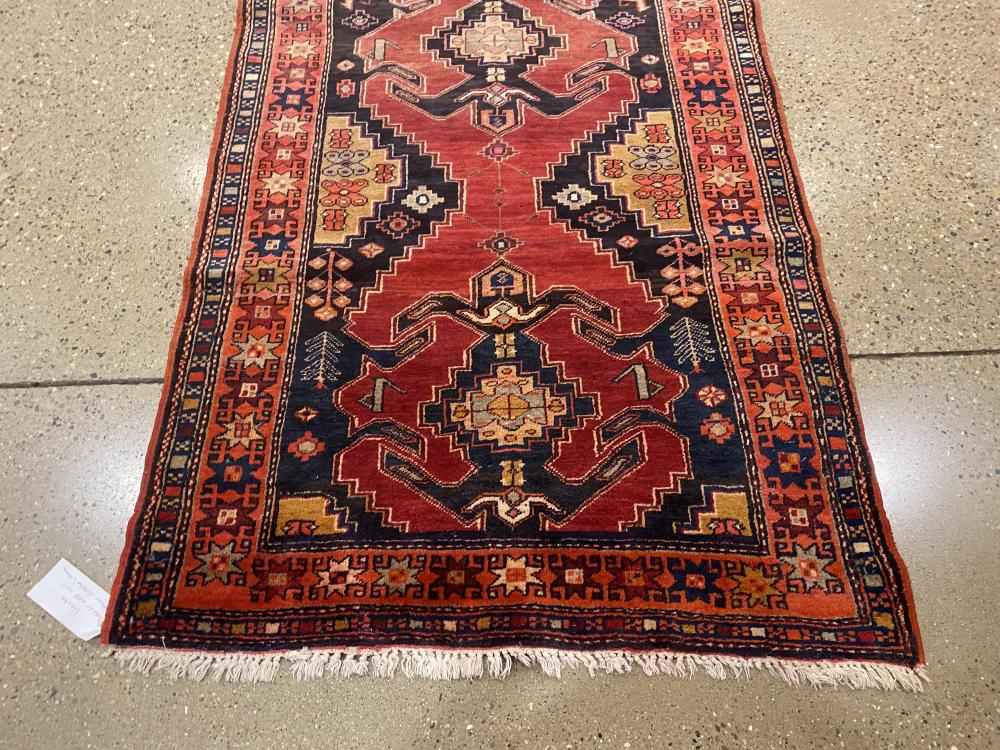 "Oriental rug, North West pictorial runner, 3'10"" x 9'6"""