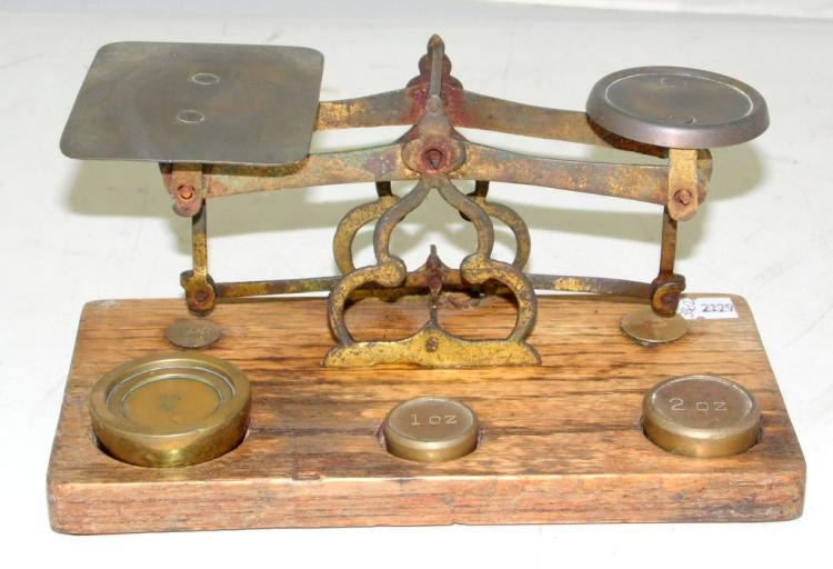 Vintage Postal Scales & Weights. Mid 1900s.. 3 brass weights. 4,2 & 1 oz