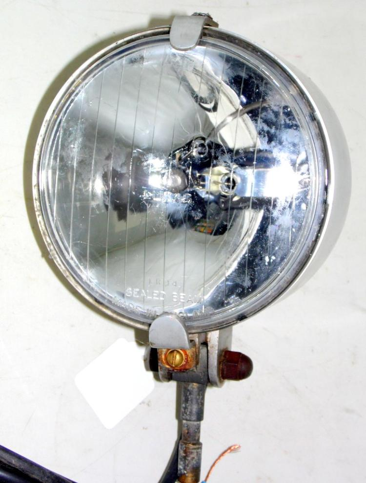 Vintage Lucas Silver Sabre 12V LR14 54051173 Rally Hand Spot Light in Cast Alloy Swivel Parkinson Blackpool Case.