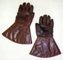 A pair of Waddingtons British Made Leather  Motorcycle Gloves. 1950s/60s