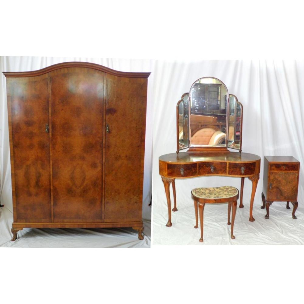 Waring And Gillow Queen Anne Style Walnut Bedroom Set To Inc
