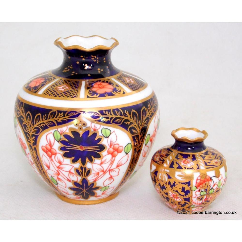 Royal Crown Derby Imari 1128 Miniature Vases
