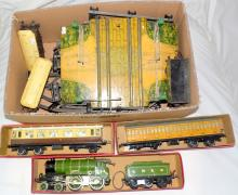 Hornby O Gauge 2 Rail No.2 Special Clockwork  Train Set  with LNER 'Yorkshire' 4-4-0   Locomotive/Tender,Rolling Stock and Track .