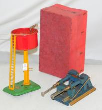 Vintage HORNBY 0 Gauge A802 No.2 Hydralic  Buffer Stop and  Water Tank A1010 Boxed. (2  Items)