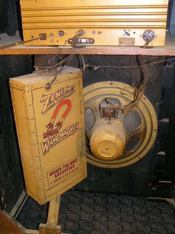 Antique Zenith console tube radio
