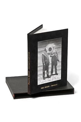 Philippe BONAN (né en 1968) PORTRAITS D'ARTISTES Portfolio de 15 photographies tirées sur papier perlé de Philippe Bonan