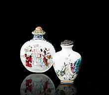 DEUX TABATIERES EN PORCELAINE POLYCHROME, CHINE, FIN DE LA DYNASTIE QING (1644-1911)