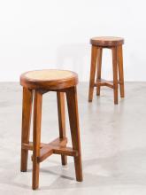 Pierre JEANNERET (1896 - 1967) Paire de hauts tabourets ronds - Circa 1965/66 Piètement en teck massif, assise en cannage